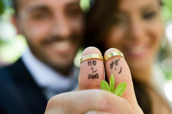 Casamento: Fisco vai reter 10 porcento das prendas em dinheiro