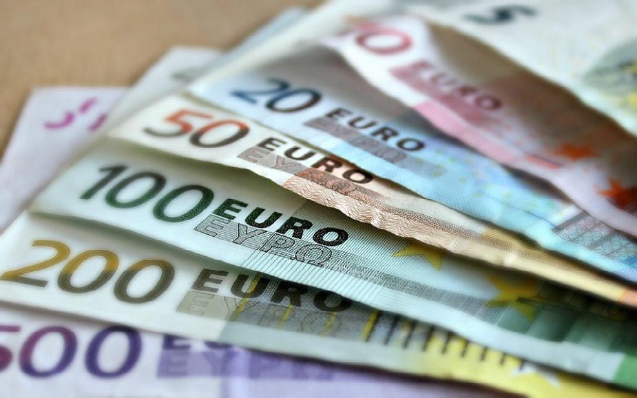 Como pagar impostos a partir do estrangeiro?