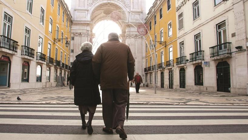 Pensões. Executivo aprova regime sem cortes para carreiras muito longas