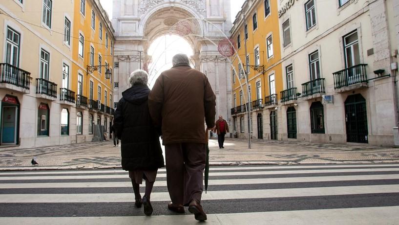 Pensões aumentam entre 1 e 1,8 porcento em janeiro